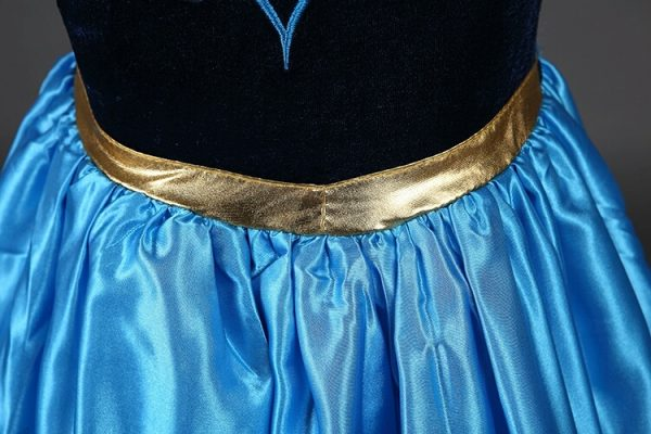 Anna Frozen jurk ingezoomd - Bij Bambini